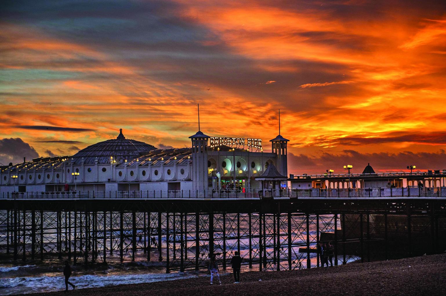 Recuni City Pictures Pier-golden_sunset
